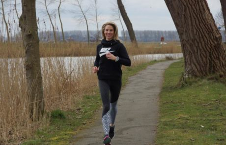 Jogging Esther Van de Pol van Taste The Energy in Sluis